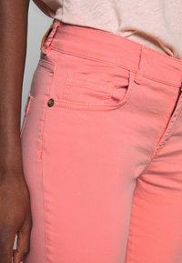 Mos Mosh - SUMNER DECOR PANT - Trousers - sugar coral - 3