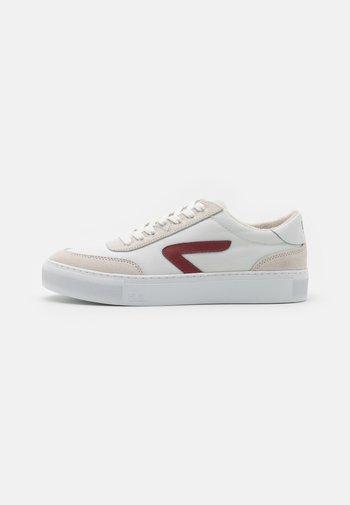BREAK - Sneakers laag - white/gravel