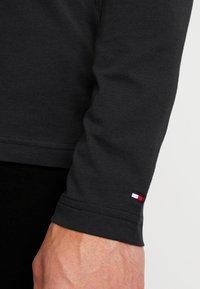 Tommy Hilfiger - LONG SLEEVE LOGO - Long sleeved top - black - 5