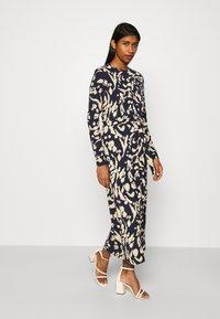 Vero Moda - VMNAVA DRESS - Day dress - navy blazer/hailey - 0