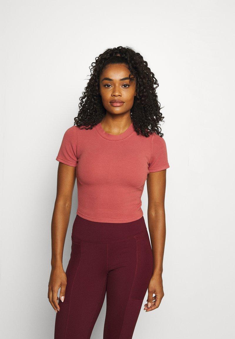Cotton On Body - T-shirt basic - chestnut