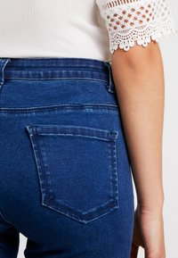 Missguided Petite - ANARCHY MID RISE - Jeans Skinny Fit - indigo - 3