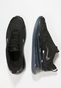Nike Sportswear - AIR MAX 720 - Trainers - black/anthracite - 2