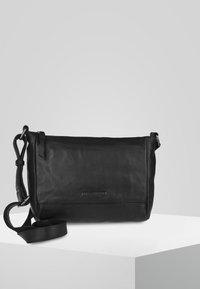 FREDsBRUDER - EASY PEASY - Across body bag - black - 0