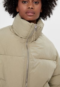 Bershka - Winter jacket - khaki - 3