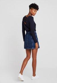 New Look - PATCH POCKETE CARAMEL  - Denim skirt - blue pattern - 2