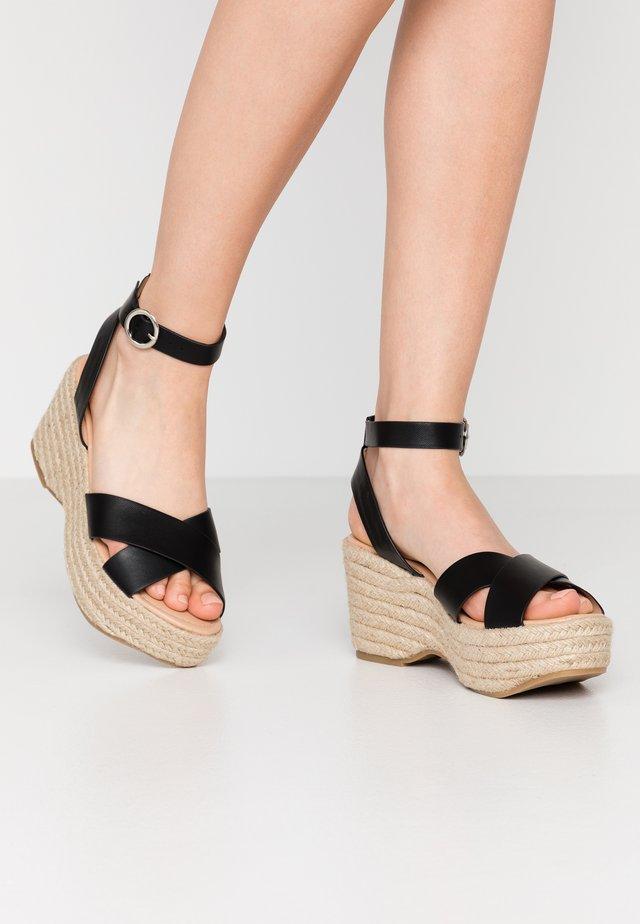 WIDE FIT TUSCANY - Sandaler med høye hæler - black