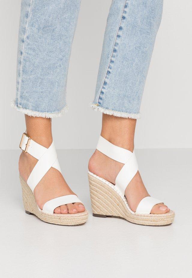 Sandalen met hoge hak - white