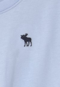 Abercrombie & Fitch - JAN TWIST FRONT  - Print T-shirt - blue - 2