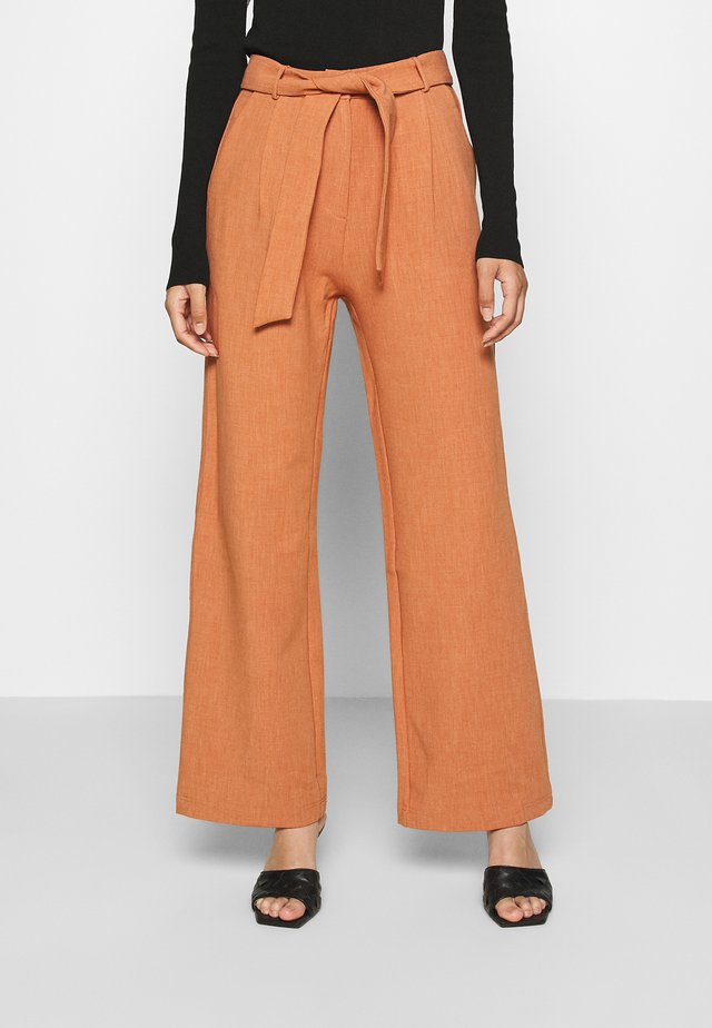 DELLA TROUSER - Pantalones - light rust