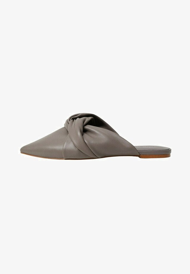 KNOT - Pantofle - hellbraun/pastellbraun