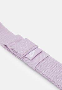 Nike Sportswear - HERITAGE - Bæltetasker - iced lilac/white - 4