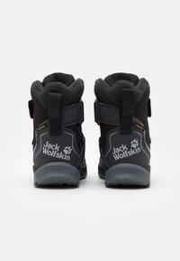 Jack Wolfskin - POLAR BEAR TEXAPORE HIGH UNISEX - Zimní obuv - black/grey - 2