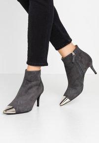 Billi Bi - Ankle boots - grey - 0
