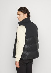 adidas Originals - REGEN VEST - Waistcoat - black - 2