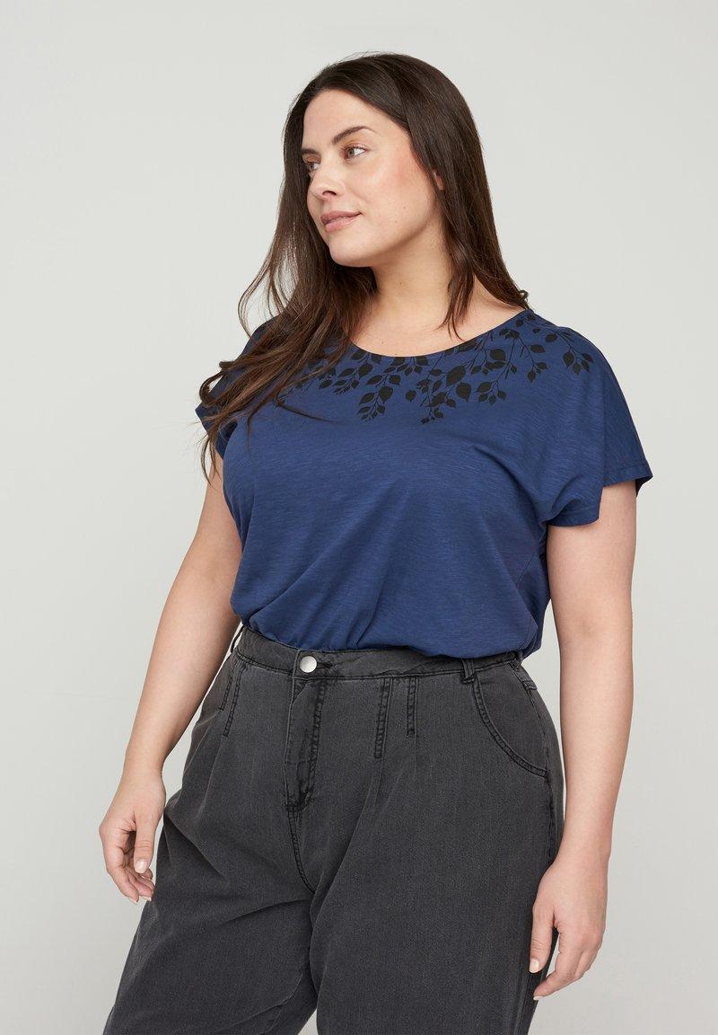 Zizzi - Print T-shirt - blue