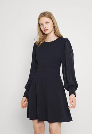 KAT SLEEVE DRESS - Sukienka z dżerseju - navy blue