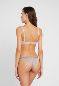 Esprit - GLADSTONE BRAZILIAN HIPSTER BRIEF - Underbukse - light taupe - 2