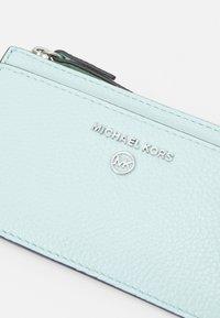 MICHAEL Michael Kors - JET SET CHARM SLIM CARD CASE - Wallet - fair aqua - 3