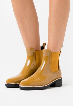 AVA - Wellies - rusted gold