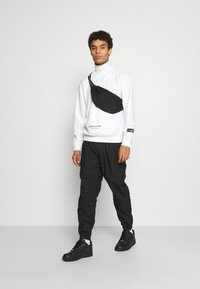 Sixth June - ESSENTIAL ZIP UP  - Long sleeved top - white - 1