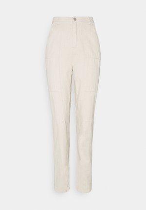 SEAMED WRATH - Straight leg jeans - cream