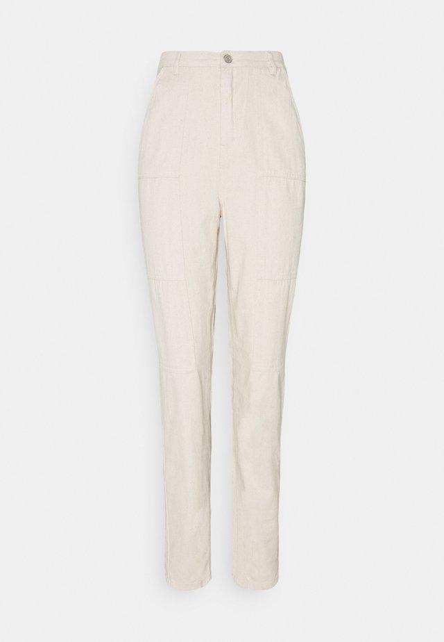 SEAMED WRATH - Jeans straight leg - cream