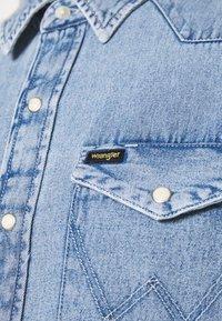Wrangler - Shirt - light-blue denim - 4
