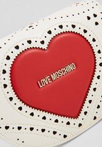 Love Moschino - Taška spříčným popruhem - white - 2