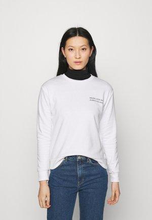 HAYIPA - Sweatshirt - white/white