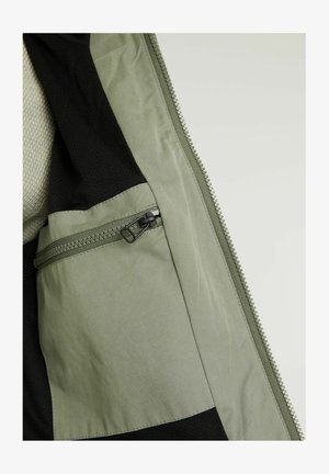 Outdoor jacket - green