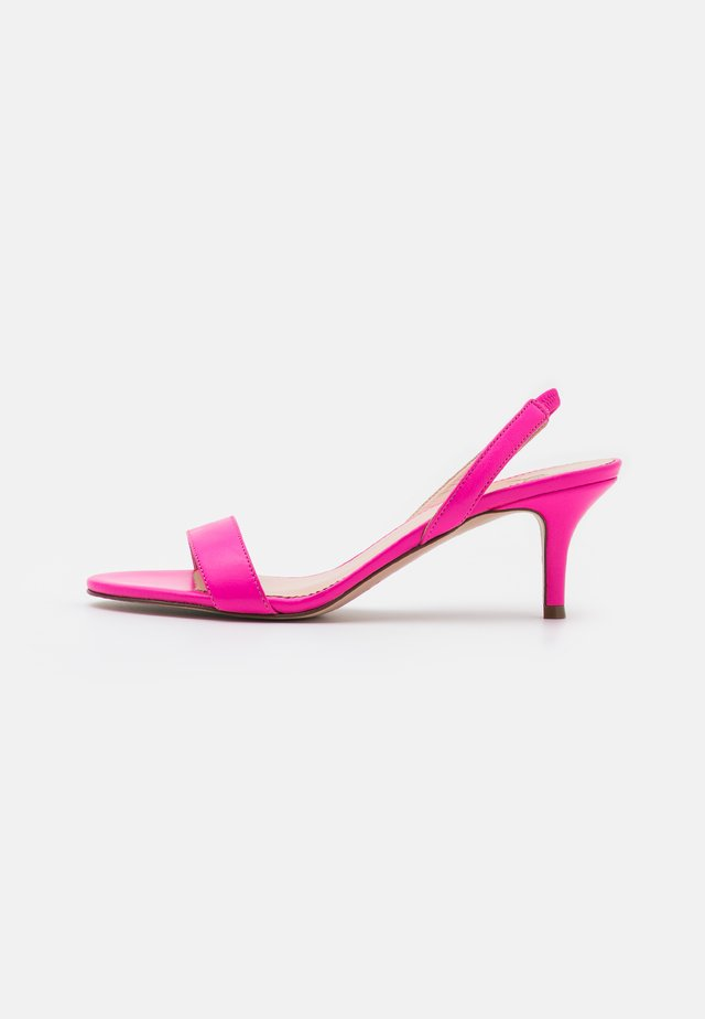 SIMPLE SLINGBACK NAN  - Sandalen - neon flamingo