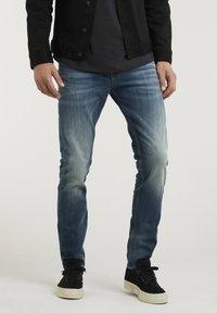 CHASIN' - CROWN ELI - Slim fit jeans - blue denim - 0