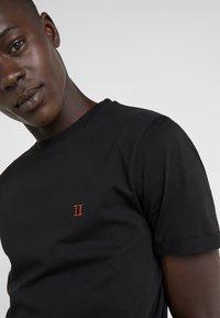 Les Deux - NØRREGAARD - T-Shirt basic - black - 6