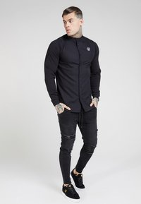 SIKSILK - GRANDAD COLLAR JLONG SLEEVE FITTED - Camicia - black - 1