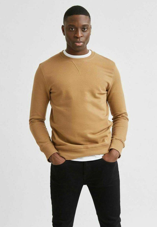 SLHJASON CREW NECK - Sweatshirt - brown