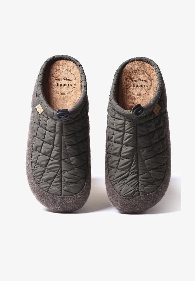 Slippers - caqui