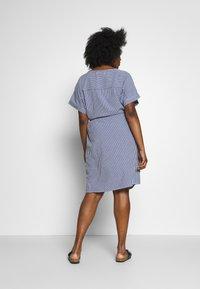 ONLY Carmakoma - CARISA LIFE STRIPE KNEE - Day dress - medium blue denim/cloud dancer - 2