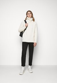 GCDS - TURTLENECK SWEATER - Jumper - white - 1