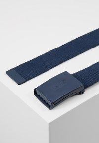 Levi's® - TONAL WEB BELT UNISEX - Belt - navy blue - 3