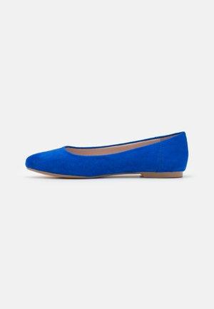 Ballerinaskor - alcantara blau