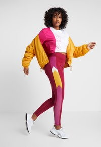 Fila - TEE - T-shirt con stampa - beetroot purple/bright white - 1