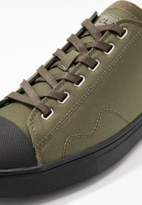 Clae - HERBIE - Trainers - hiking green - 5