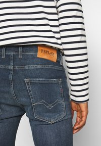 Replay - GROVER - Straight leg jeans - dark-blue denim - 4