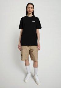 Napapijri - S-PATCH SS - Basic T-shirt - black - 1