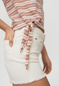 O'Neill - KNOTTED  - Print T-shirt - brown or beige with pink - 2