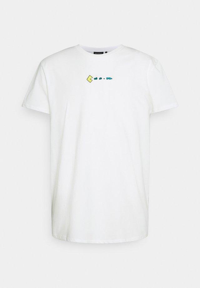 CASUAL TRASHMAN - Print T-shirt - white