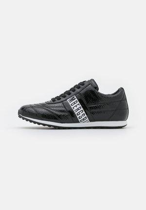 BAHIA - Zapatillas - black