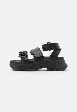 BILLY  - Sandalen met plateauzool - black