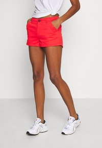 Superdry - HOT - Shorts - apple red - 0